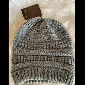 Modena Gray Cable Knit beanie